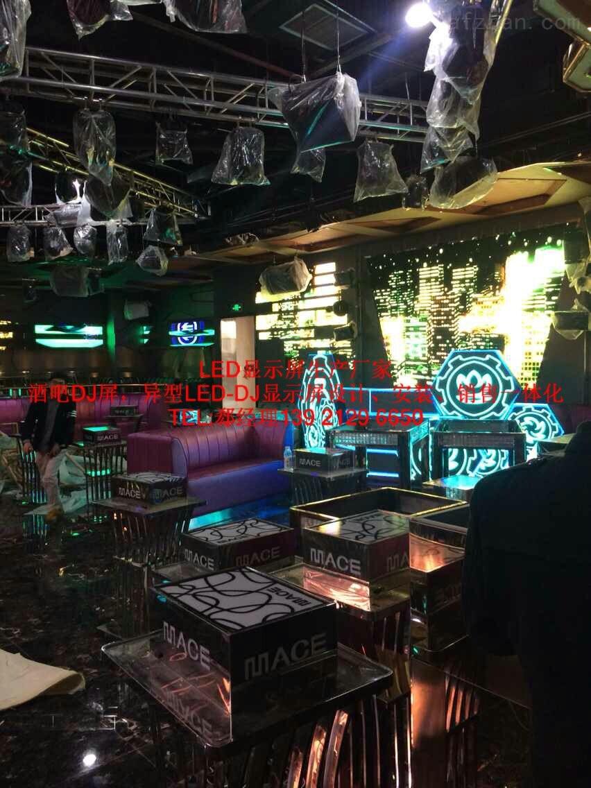 酒吧六边形异型LED电子显示屏使用寿命—般多