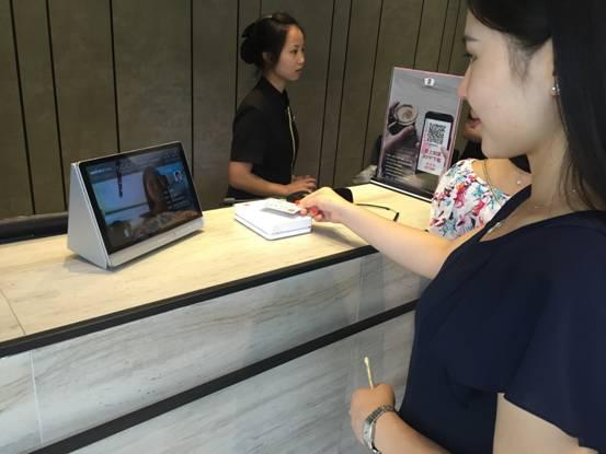 入住前先刷脸 悉尔科技人脸识别系统进驻杭城酒店图片